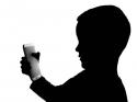நமது குழந்தைகளை இணையவழி பயமுறுத்தலுக்கு இறை ஆகாமல் எவ்வாறு பாதுகாப்பது?
