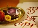 அக்ஷ்ய த்ருத்யை அன்று  கனகதாரா ஸ்தோத்ரம் சொன்னால் தங்கம் கொழிக்கும்!! அந்த கதை பற்றி தெரியுமா?