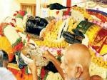மீண்டும் குளத்துக்குள் அத்திவரதர்... 48 நாள்ல உண்டியல் வசூல் மட்டும் எவ்வளவுனு தெரியுமா?