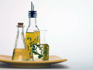 Homemade Hair Oils Treat Dandruff