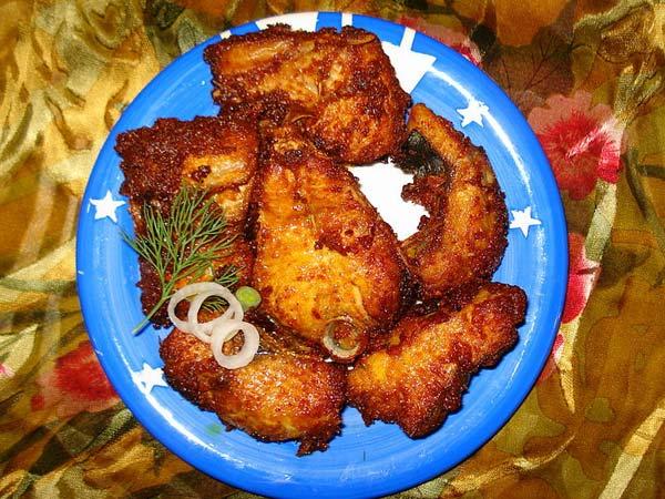 Homemade rava fish fry recipe tamil boldsky for Homemade fish fry