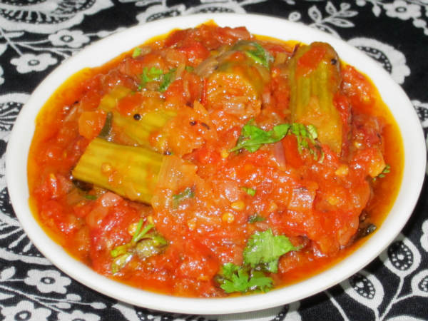 Tomato Drumstick Curry: Bachelor Recipe