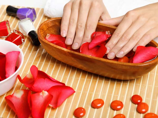 Home remedies for cracked, dry hands