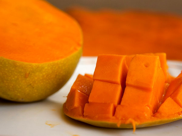 Mango Facial to improve skin tone