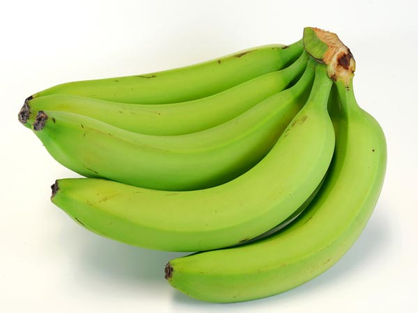 Eat a raw banana to keep a healthy body
