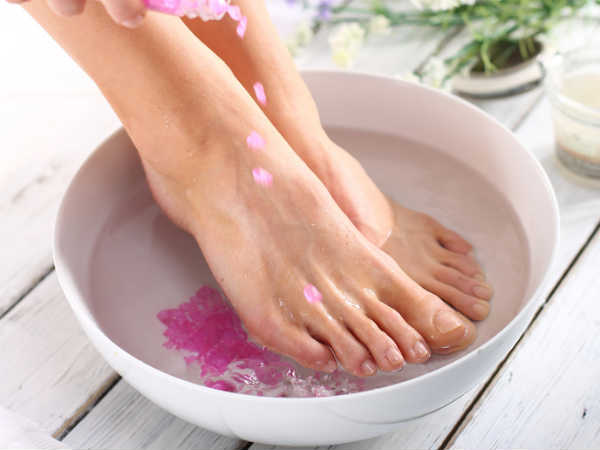 Natural remedies for cracked heels and wrinkles