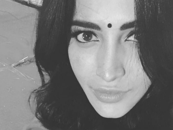 Beauty Factor Of Actress Shruthi Haasan, Instagram Posts