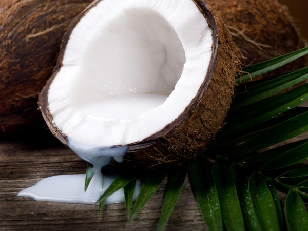 Beauty benefits of coconut milk