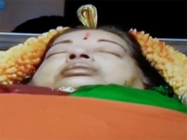 ஜெயலலிதாவின் மரணத்திற்கு பின் பத்திரிக்கையாளர்கள் கற்றுக் கொண்ட 10 விஷயங்கள்!