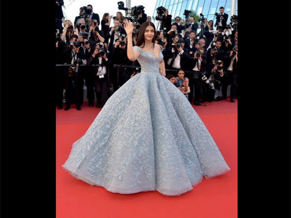 All Time Gorgeous Aiswarya Rai Bachchan's Looks at Cannes!