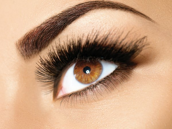 Ultimate Guide To Attain Naturally Thick Eyebrows At Home