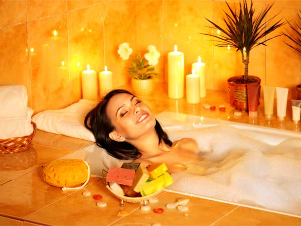 An amazing herbal bath to treat body pain and joint pain