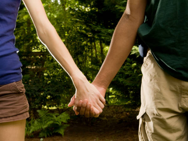 Holding Hands With Your Partner Can Help Get Rid of Your Headache