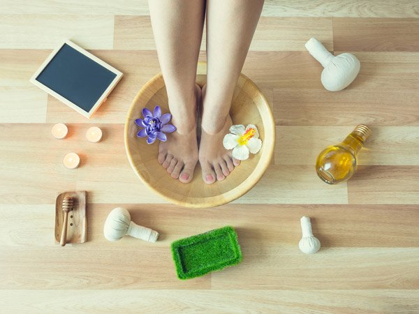 DIY Pedicure At Home To Remove Feet Tan And Discolouration