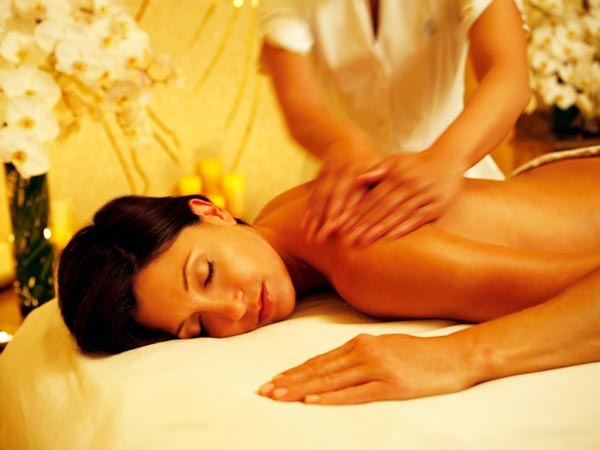 step-by-step-guide-for-doing-a-body-massage-at-home