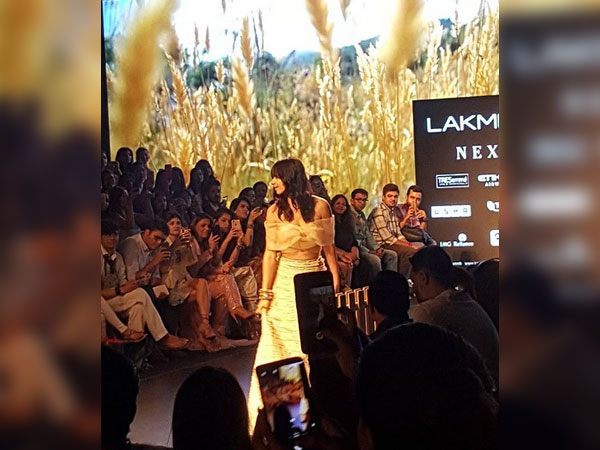 Kalki Koechlin Flaunted Her Elegance At LFW 2018 For Amoh By Jade