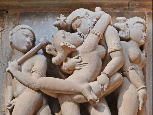 ஓவியங்கள், சிலைகளில் பண்டையக் காலத்து இந்திய பெண்கள் மார்பு மறைவின்றி இருப்பது ஏன்?