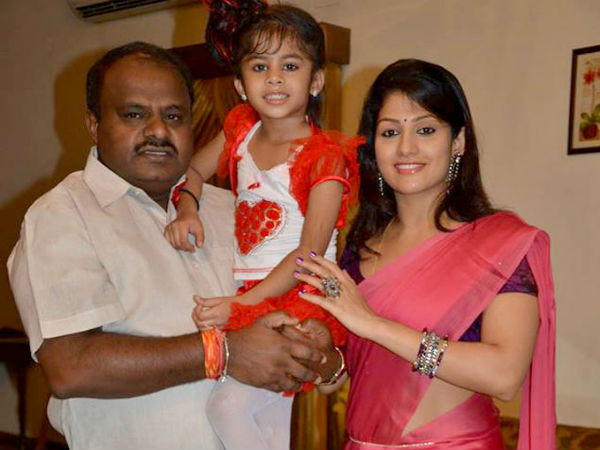 முதல்வர் பதவிக்காக குட்டி ராதிகாவை கர்ப்பமாக்கிய எச்.டி. குமாராசாமி #SecretMarriage