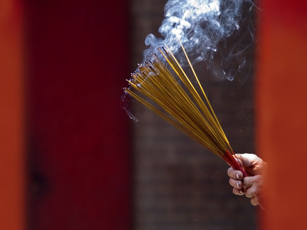 harmful-effects-burning-incense-sticks