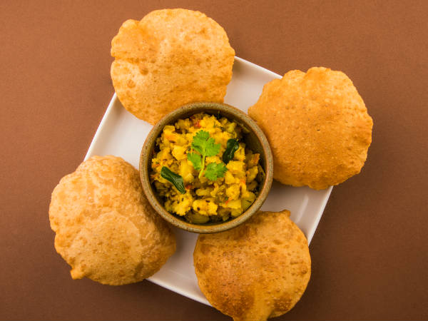 List of 10 popular unhealthy Indian breakfasts
