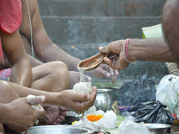 How To Perform Pitra Paksha Puja At Home