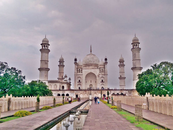 unknown facts about Taj Mahals brother Bibi ka maqbara