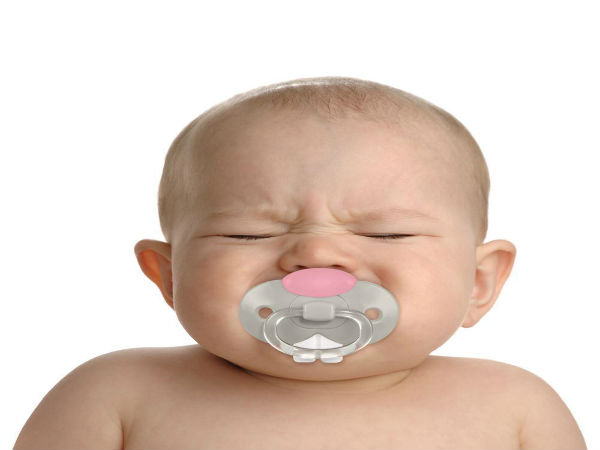 Is It Okay to Give Pacifier to your Baby? Know Pros and Cons