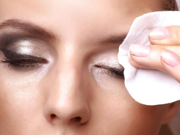 மேக்கப் இல்லாம முகத்தை பளபளனு வெச்சிக்கறது எப்படி? இத மட்டும் செய்ங்க  போதும்... | How To Look Beautiful Without Makeup? - Tamil BoldSky