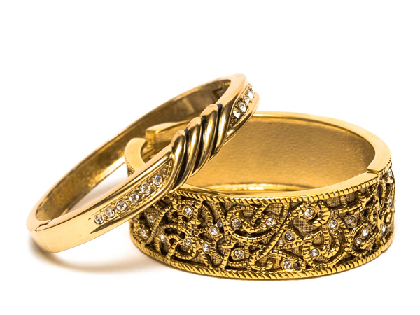 Rules to Wearing Ring to Attract Love and Wealth