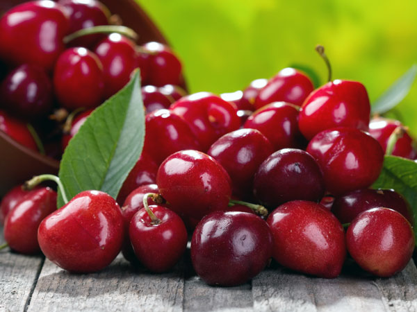 Best Ways To Use Cranberries For Skin And Hair