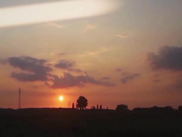 நன்பகல் - 4 மணி