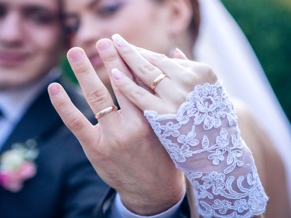 Why Wedding Rings Are Worn On The Fourth Finger?