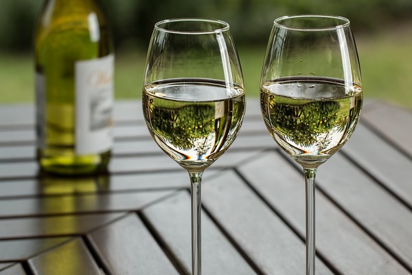 Health Benefits Of Drinking A Glass Of White Wine Every Night