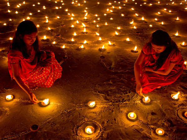 Deepam Lighting the Oil lamp and Benefits