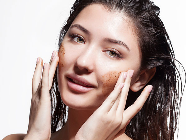 4 Amazing Ways To Add Black Salt To Your Skin Care Routine- Honey and black Salt