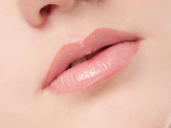 DIY Home Remedies For Naturally Soft, Pink And Glossy Lips In Tamil