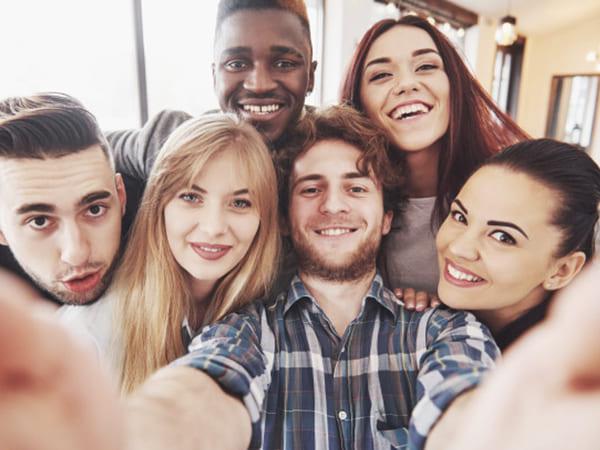 Friendship Day Wishes: நண்பர்கள் தினத்துல உங்க ப்ரண்ஸ் கிட்ட இத சொல்ல மறந்துடாதீங்க... அப்புறம் பிரச்சனைதான்.!