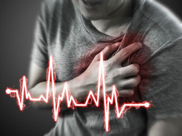 ஒருவருக்கு மாரடைப்பு இளமையிலேயே வருவதற்கு இதெல்லாம் தான் காரணம் தெரியுமா?   Lifestyle Habits That Are Increasing Your Risk of a Heart Attack