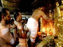 ஐப்பசி பொறந்தாச்சு... ஐய்யப்பன் கோவில் நடையும் திறந்தாச்சு... இன்னைக்கு யாருக்கு என்ன நடக்கும்?