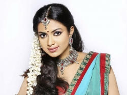 Make Up Guide The Monsoon Bride