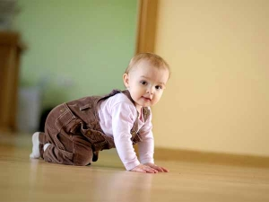 7 Things Do When Baby Starts Crawling