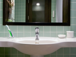 7 Tips On How Light Bathroom