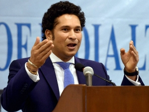 Sachin Bats On New Pitch