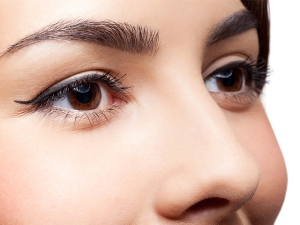 Get Thick Eyebrows Naturally With These Ingredients