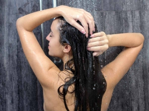 Common Shower Habits That Damage Your Hair