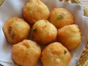 Crispy And Tasty Idly Maavu Bonda Recipe