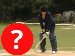 Kevin Pietersen Blindfold Cricket Challenge