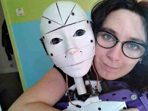 Meet The Woman Who Fell Love With Robot