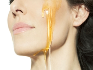 How Improve Your Skin Tone Using Honey