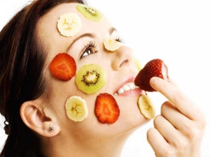 5 Fruits That Improve Your Skin